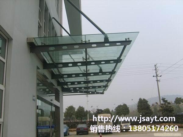 玻璃雨棚,是以钢结构框架为主要结构,选用优质q235材质的系列钢管